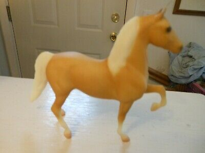 Breyer HORSE #1024 DELILAH MORGAN PALOMINO LITTLE BITS 1:20 1995-1998