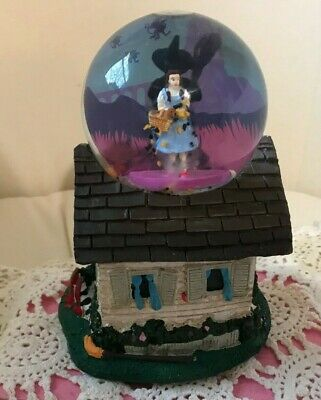 WIZARD of OZ ~ MUSICAL WATERGLOBE~DOROTHY & WITCH on HOUSE ~ HITCHCOCK THEME