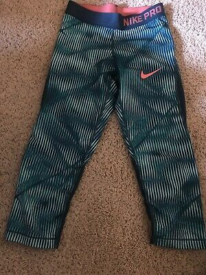 Nike Pro Hypercool Girls Size Medium Capri Workout Pants GIRLS GREEN WITH PINK M