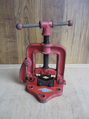Bench Pipe Vice Clamp – Heavy Duty Hinged