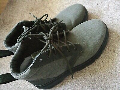 Dr Martens Mens Boots Size 10 Khaki new with defect