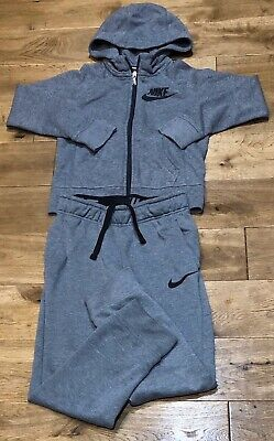 Boys Nike Logo Tracksuit In Grey Size S Age 8-10 Years - Rrp £38 -