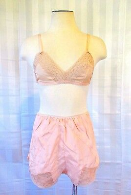 Vintage Silk Bra and Tap Pants DEAD STOCK 1930s 1940s 34 36 Peach Beige Lace Set