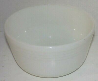 """Pyrex White Milk Glass Mixing Bowl #7 Made in USA 4.75"""" high 8.75"""" across"""