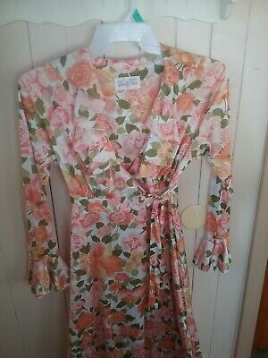 Vintage Multi-Color Floral Long Vanity Fair Nightgown/Robe size Small