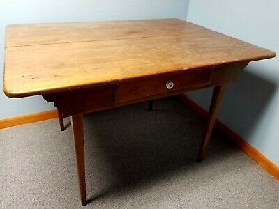 Antique Hepplewhite-style kitchen table.  Good used condition, circa late 1800's