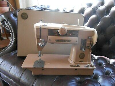 Vintage Singer 401A Slant-O-Matic Sewing Machine in Case