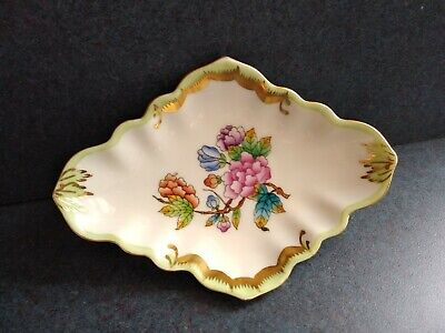 """Herend Queen Victoria Trinket Pin Dish Gold Accents Unusual Shape 5"""" L 3.5"""" W"""