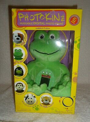 Photokinz Frog Huggable Digital Photo Frame