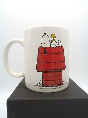 Retro Snoopy & Woodstock on Red Dog House White Ceramic Coffee Tea Cup Mug 12 OZ