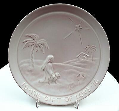"""Frankoma Pottery The Gift Of Love 8 1/4"""" Christmas Plate 1976"""