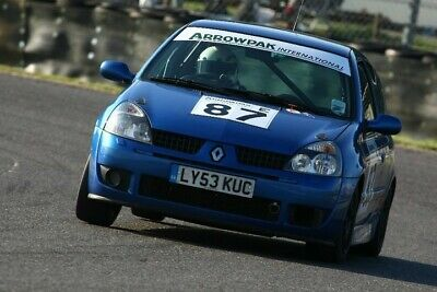 Clio 172 Cup Race car - Road going