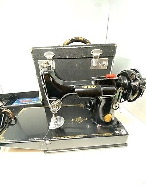 Vintage 1940 Singer Featherweight Sewing Machine Model 221 w Box & Accessories