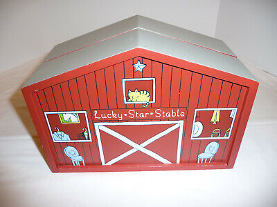 Lucky Star Stable Red Wooden Stable Barn Kids Playset Toy 2009