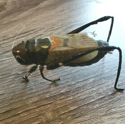 """Vintage Thin Metal 3"""" Winged Grasshopper / Cricket with Feelers"""