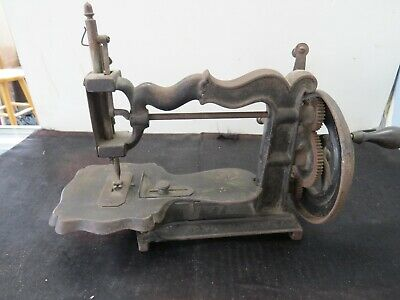 SEWING MACHINE, LATE 1800's, GREAT CONDITION, HAND PAINTED