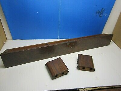 Vintage antique SINGER TREADLE Sewing Machine  Center pull out drawer B