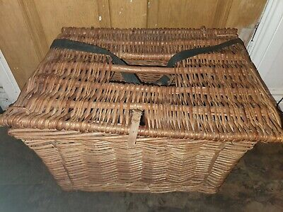 Vintage Large Wicker Basket/Hamper Lidded With Straps and Handle Great Condition