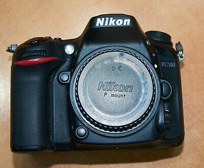 Nikon  D7200 24.2MP Digital SLR Camera  (Body only) Original Box 32gb SD Card