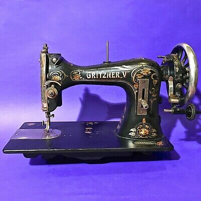 1916 Rare Art Nouveau Decorated Antique Original Gritzner  V Sewing Machine