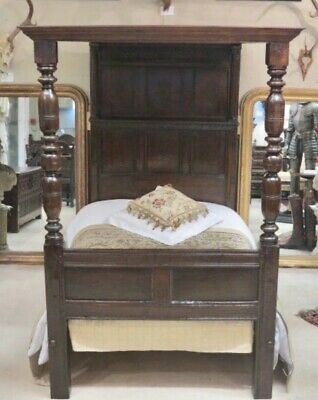 17th century Oak Four Poster , Tester Bed With Simply Delicate Carving