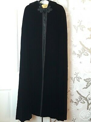 Cape Poncho Express Black Velvet Hooded Cape Satin Lined Opera Evening Gorgeous!