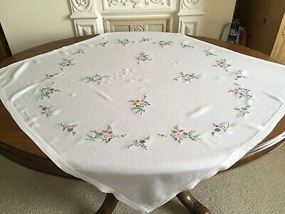 Vintage LinenTablecloth Embroidered With Bunches Of Flowers