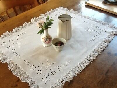 Vintage White Linen & Lace Table Centre Traycloth Doillie Flower Embroidery