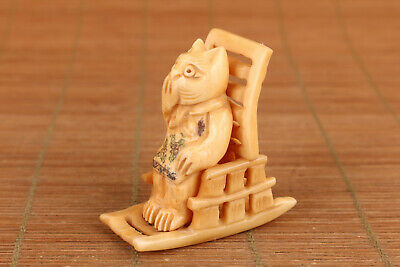 chinese old deer horn hand carved cat figure statue netsuke noble gift