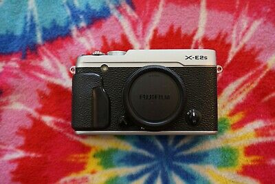 Fuji X-E2s mirrorless camera body!  Silver