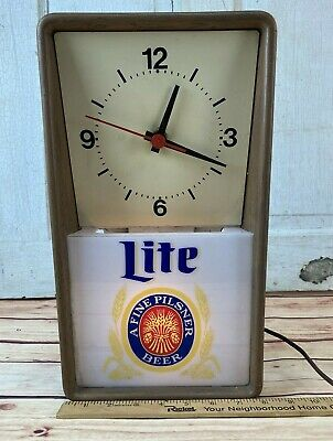 Vintage Miller Lite Beer clock lighted sign Back Bar hard to find 1980 NICE