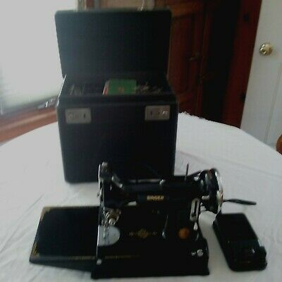 1937 Singer Featherweight 221 Sewing Machine Case & Accessories-Runs perfectly