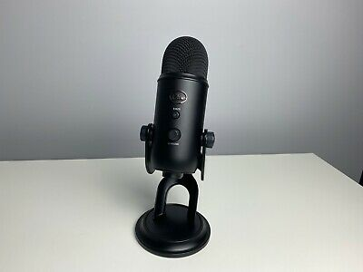 Blue Yeti Professional Multi-Pattern USB Condenser Microphone - Blackout