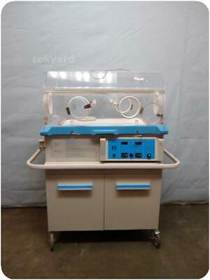 Air-Shields Vickers Isolette Infant C100/200-2 Incubator @ (247799)