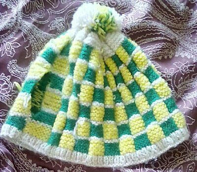 Retro Knitted Green Yellow Woollen Teapot Cover Cosie Pompom Top USED