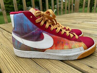 317808-161 Women/'s Nike Blazer High SP White//Red-Gold-Emerald Sizes 6-10 NIB