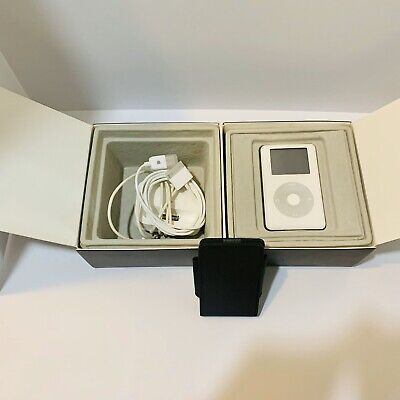 Apple iPod classic 4th Generation White with Original Box And Accessories
