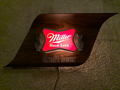 Vintage 1976 Miller High Life Draft Beer Lighted Sign In Excellent Working Cond.