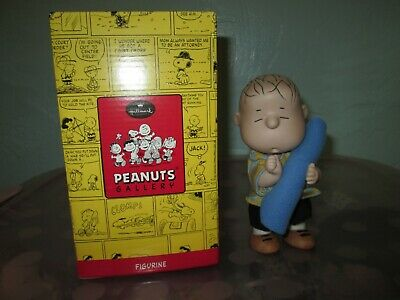 Sally Brown Figurine Limited Edition QPC4020 Hallmark 2000 Peanuts Gallery