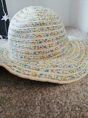 Cream Floral toddler sunhat used but in great condition
