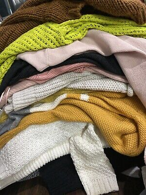 Women's 16 Pieces Wholesale Clothing Lot Resale Resell Sweaters And Knits