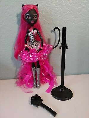 EVER AFTER HIGH DOLL REPLACEMENT GIRL DOLL STAND W// BRUSH SET *BLACK*