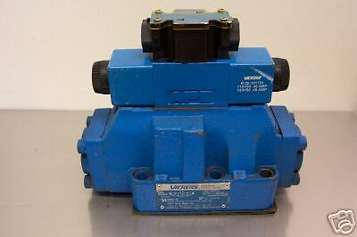 VICKERS 02-126449 DIRECTIONAL CONTROL VALVE  NEW