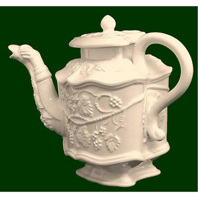 Royal Creamware Limited Edition, The Grape Vine Teapot