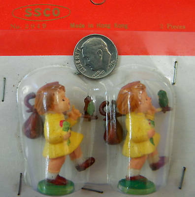 VINTAGE,COLLECTIBLE,2 CHILDREN, Made in Hong Kong