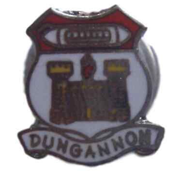 LAIRG ENAMEL LAPEL PIN BADGE FREE UK POSTAGE WITHIN THE UK