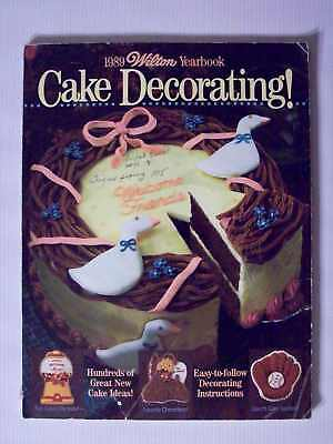 Nice Vintage 1989 Wilton Cake Decorating Yearbook