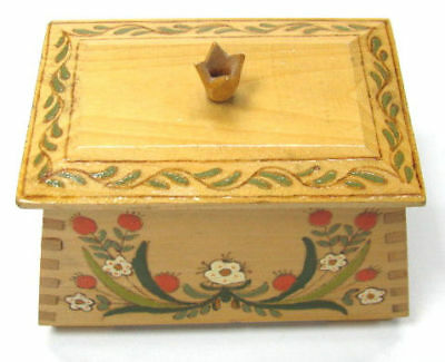 BEAUTIFUL OLD FOLK HAND PAINTED WOODEN BOX SEE x