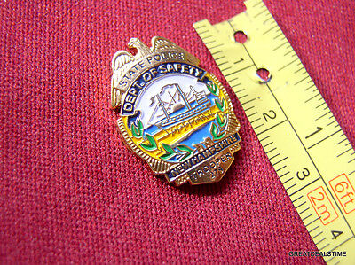 NEW HAMPSHIRE NH STATE POLICE SAFETY DEPT PROUD GOLD EAGLE MINI LAPEL BADGE PIN