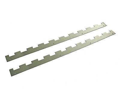 4 Castellated frame spacers (2 pairs) holding 10 frames